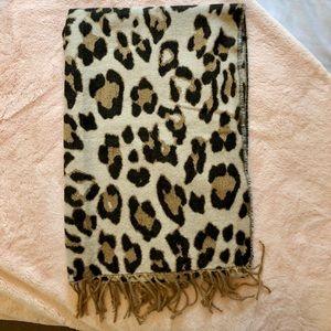H&M Leopard Print Scarf